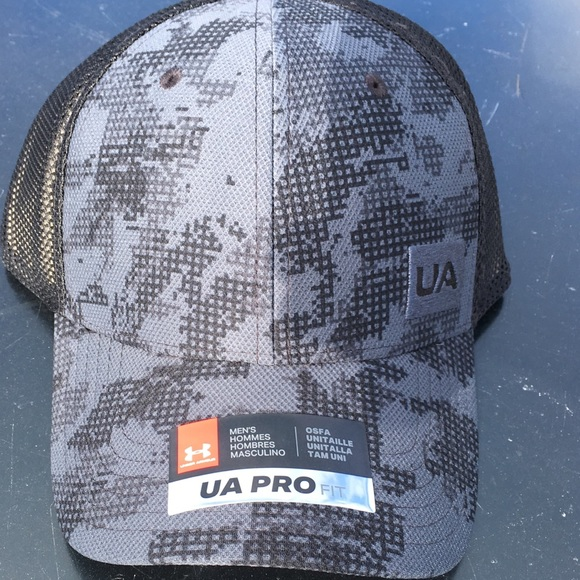 79019d3be5d 2018 Under Armour UA pro fit hat. NWT